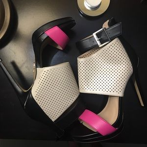 Juicy Couture Heels size 6